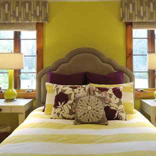 Bedroom - modern bedroom idea in Nashville with green walls