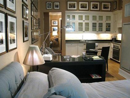 Modern Bedroom by Michele Safra