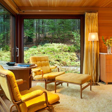 Modern Bedroom by Elliott + Elliott Architecture