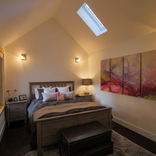 Contemporary Bedroom by New Avenue