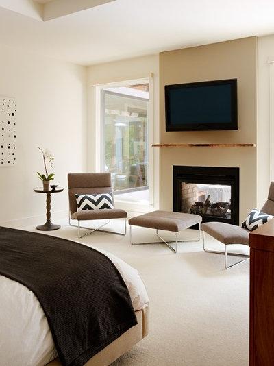 Contemporary Bedroom by Studio SHK