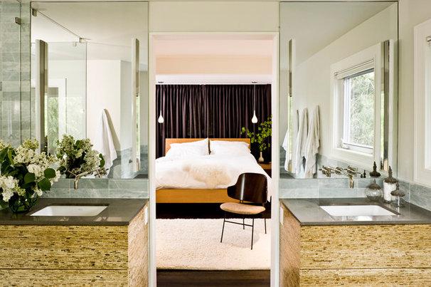 Midcentury Bedroom by Jessica Helgerson Interior Design