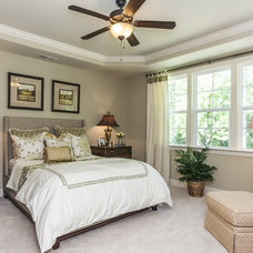 Traditional Bedroom by Robuck Homes