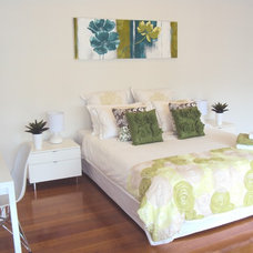 Contemporary Bedroom by Premium Interior Styling