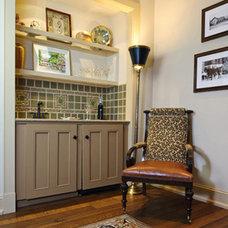 Traditional Bedroom by Lindsay Milner