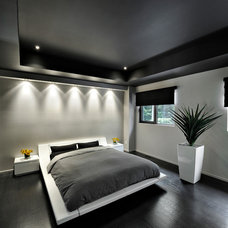 Modern Bedroom by Ovatio Photographie Inc