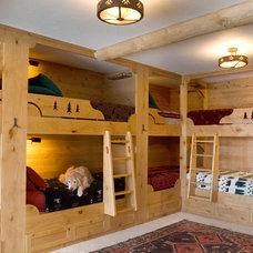 Rustic Bedroom by ThinkOne