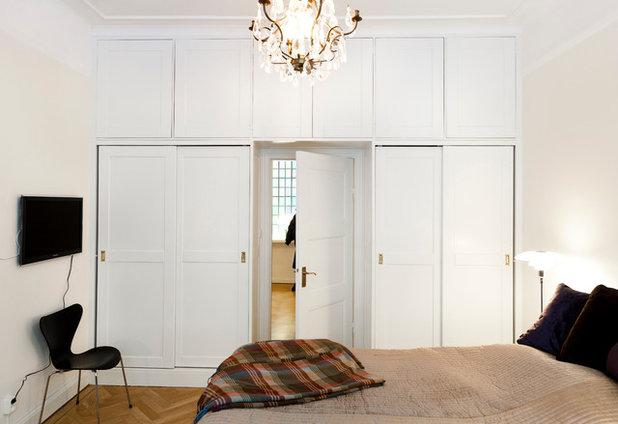 Transitional Bedroom by Dahlberg