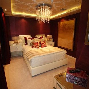 Стильный дизайн: маленькая гостевая спальня в стиле фьюжн с красными стенами и ковровым покрытием без камина - последний тренд