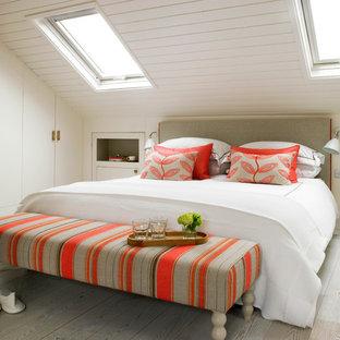 ロンドンの中サイズのコンテンポラリースタイルのおしゃれな寝室のインテリア