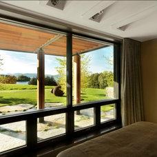 Rustic Bedroom by Birdseye Design