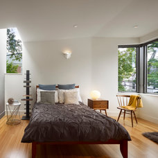 Modern Bedroom by Marina Rubina, Architect