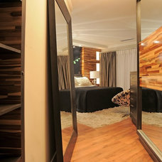 Contemporary Bedroom by Juliana Lahoz