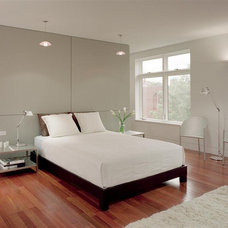 Modern Bedroom by Hanson General Contracting, Inc.