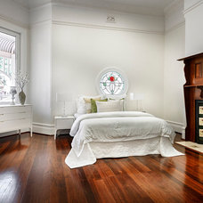 Traditional Bedroom by Cambuild