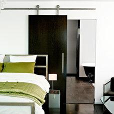 Modern Bedroom by Krownlab