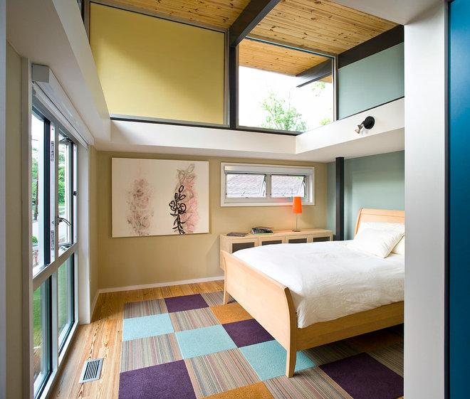 Contemporary Bedroom by Pinnacle Custom Builders, Inc.