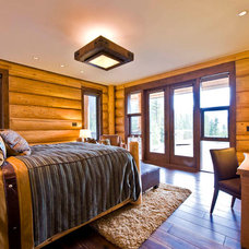 Traditional Bedroom by Sitka Log Homes