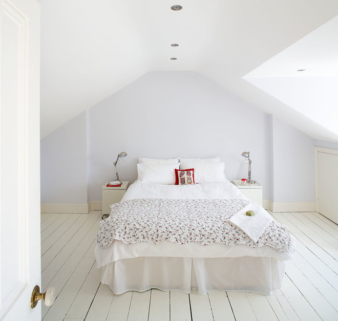Traditional Bedroom by Ambient Architecture