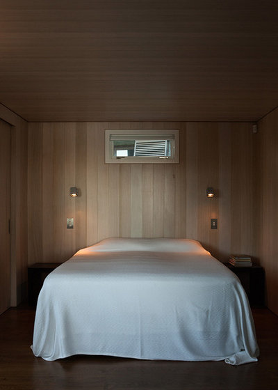 Contemporary Bedroom by Studio Pacific Architecture