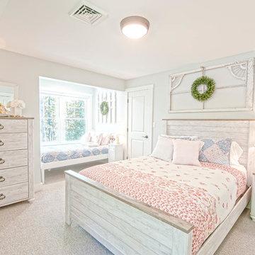Raymond Retreat- Luxury Maine Lakehouse