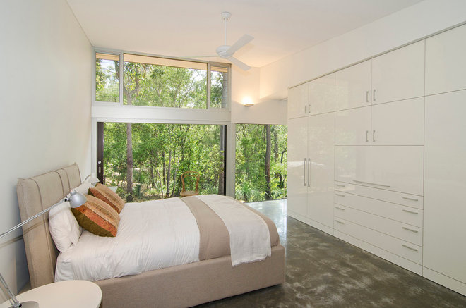 Contemporary Bedroom by Rodrigues Bodycoat Architects