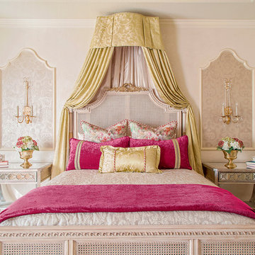 Refined Formal Interiors in Houston