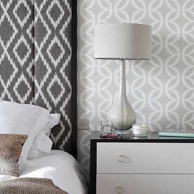 Inspiration for a mid-sized contemporary master carpeted bedroom remodel in Dublin with gray walls and no fireplace