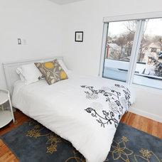 Modern Bedroom Regina, Sk Crescents Modern Infill