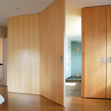Contemporary Bedroom by Ainslie-Davis Construction