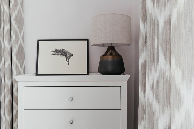 Coastal Bedroom by Tanya Leech Ltd.