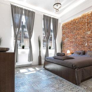 Modelo de habitación de invitados urbana, pequeña, sin chimenea, con paredes blancas, suelo de baldosas de cerámica y suelo azul