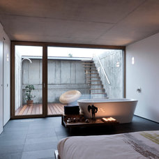 Modern Bedroom by LeichtUSA