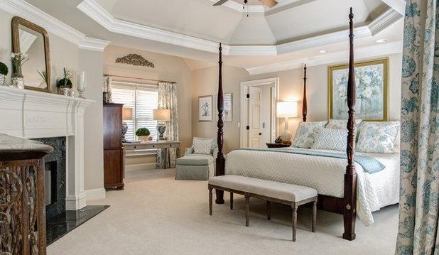 Классический Спальня by Legacy Residential Interiors