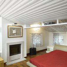 Modern Bedroom by Tollot&C LLC.