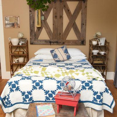 Bedroom - eclectic bedroom idea in Portland with beige walls