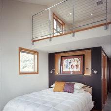 Modern Bedroom Rhodes Architecture + Light