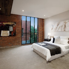 Industrial Bedroom by K+ARchitects