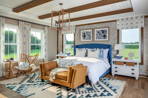 Farmhouse Bedroom by Hri Design