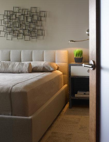 Modern Bedroom by Alan Kosa Interiors