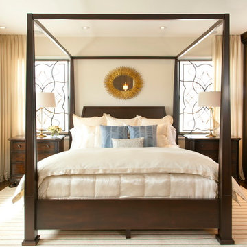 Robeson Design Loves a Symmetrical Bedroom