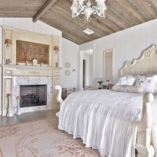 Farmhouse Bedroom by Schmidt Custom Homes