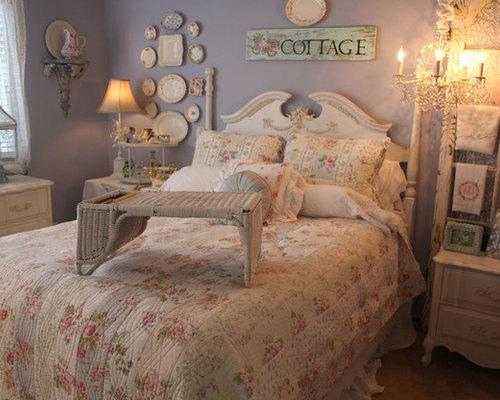 Camera da letto shabby chic style con pareti viola foto - Pareti camera da letto viola ...