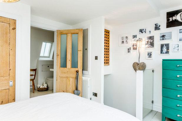 Coastal Bedroom by Westcott Construction Ltd