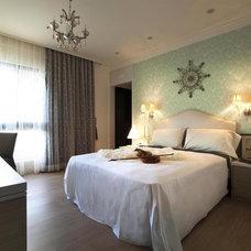 Modern Bedroom by Julay Interior Design