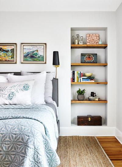 Coastal Bedroom by Convene Architecture
