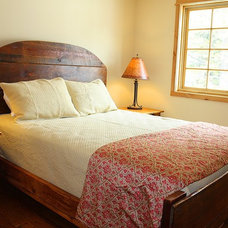 Rustic Beds by Lonepine Lodgepole