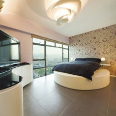 Modern Bedroom by S.I.D.Ltd.