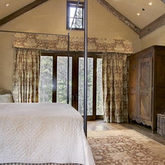 traditional bedroom by Timothy F. White