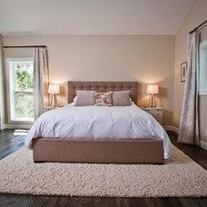 Rustic Bedroom by Penny Lane Home Builders, LLC